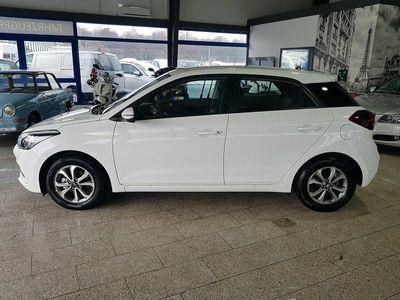 used Hyundai i20 1.2i *neues Modell 2019*klima*radio*zv Mit F