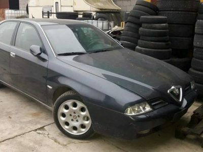 usata Alfa Romeo 166 2.5i V6 24V cat Distinctive usato