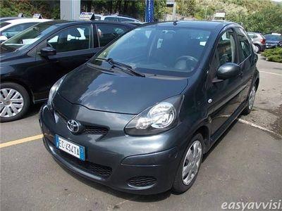 usata Toyota Aygo 1.0 12v vvt-i 5 porte benzina berlina grigio chiaro