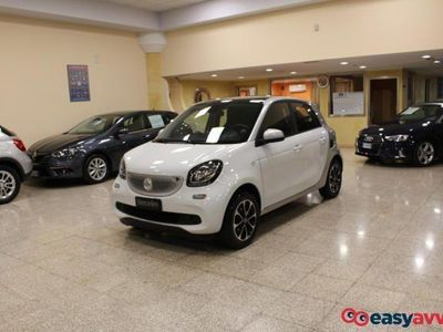 brugt Smart ForFour 1.0 71cv e6 ss twinamic passion(cruise-tetto pan.) benzina