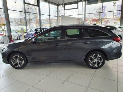 usata Hyundai i30 Wg 1.6 Crdi Style *facelift*2020*led*navi*klimaauto*pdc*