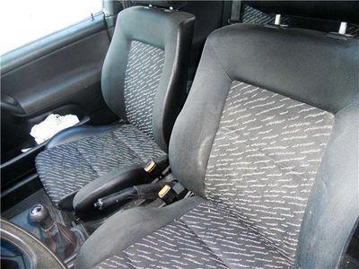 usata VW Golf Cabriolet 1.6 cat Colour Concept