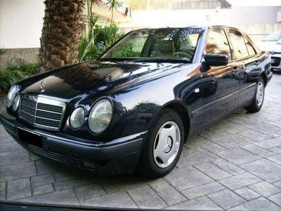 używany Mercedes 250 turbodiesel Classic