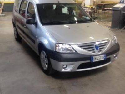 usata Dacia Logan 1.4 lauréate benzina tre volumi argento