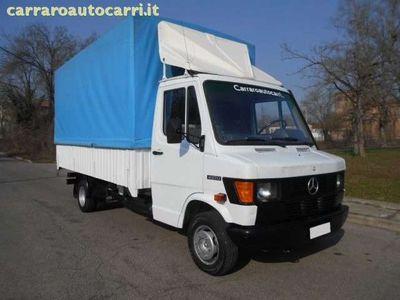 usata Mercedes 400 410 d Semi furgone con centina registrabile