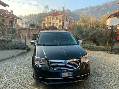 usata Lancia Voyager 6/2013 platinum