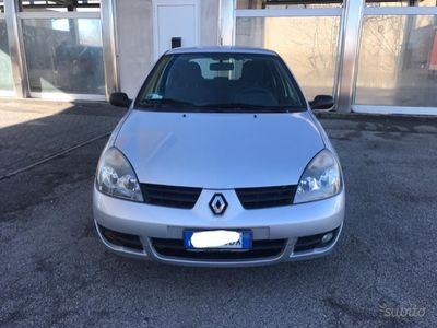 usata Renault Clio 1.1 GPL x neopatentati
