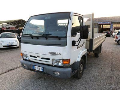 usado Nissan Cabstar -E 75.28 2.3 D PM Cabinato L Cassone fisso