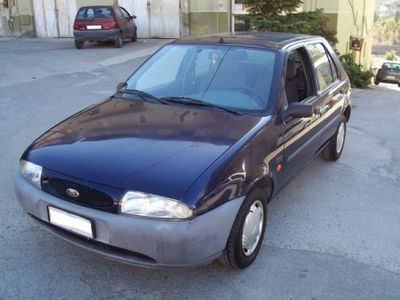 usata Ford Fiesta 1.3i cat 5 porte Studio