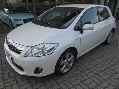 usata Toyota Auris Hybrid 5 porte active elettrica/benzina