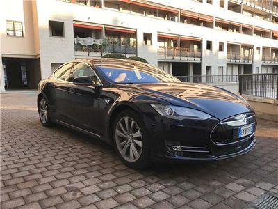 usata Tesla Model S 85 con Autopilot
