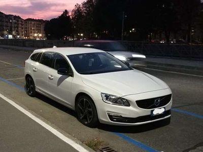 "usata Volvo V60 D2 1.6 Powershift Cerchi 18\"" R-design Kinetic"