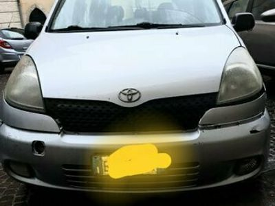 usata Toyota Yaris Verso Verso 1.3i 16V cat Sol