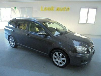 usata Toyota Avensis Avensis 2.0 D-4D Wagon Executive2.0 D-4D Wagon Executive
