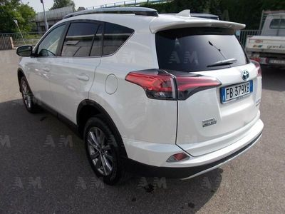 second-hand Toyota RAV4 Hybrid 2WD Lounge del 2016 usata a Piacenza