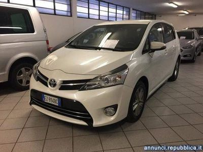 używany Toyota Avensis Verso 1.6 D-4D Style Cologno Monzese