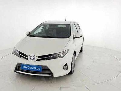 brugt Toyota Auris Hybrid 5 porte Lounge del 2015 usata a San Giovanni Teatino