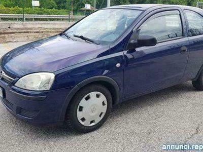 usata Opel Corsa 1.2i 16V cat 3 porte Cosmo