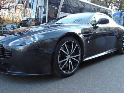usata Aston Martin V8