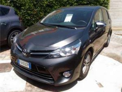 usata Toyota Verso 1.6 D-4D Active del 2015 usata a Bari