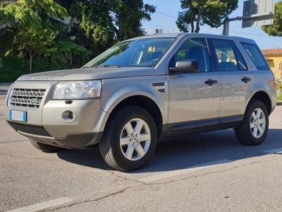used Land Rover Freelander 2.2 TD4 S.W. SE / Automatico