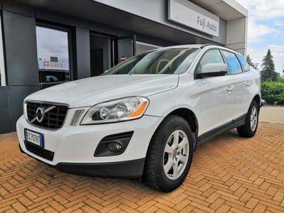 begagnad Volvo XC60 2.4 D 175 CV FWD DRIVe Momentum ( DA PREPARARE)
