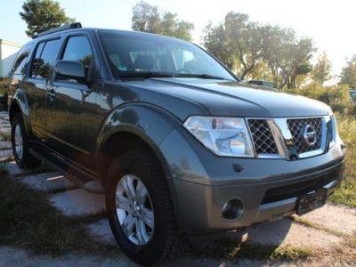 usata Nissan Pathfinder 2.5 dCi XE Plus 174cv 7posti pelle tetto navi bt
