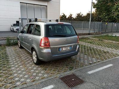 usata Opel Zafira metano 1.6 anche per neopatentati