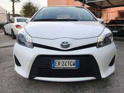second-hand Toyota Yaris Hybrid 1.5 ecvt lounge automatica