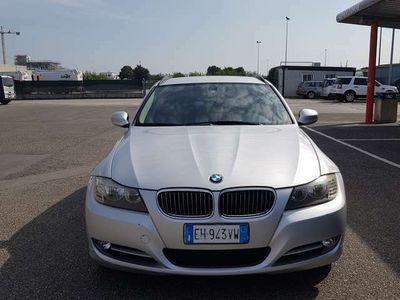 usata BMW 320 3er xDrive DPF Touring