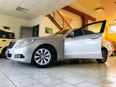 begagnad Mercedes E200 Classe2011 12MGARANZIA