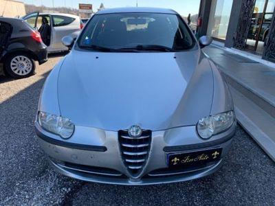usata Alfa Romeo 147 1.6i 16V 105 CV RISERVATA A COMME
