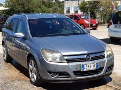 usata Opel Astra 1.9 cosmo 2006 km 200.000 finanziamento