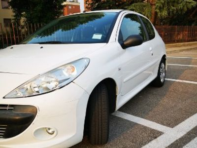 usata Peugeot 206+ 2010 ok neopatentati
