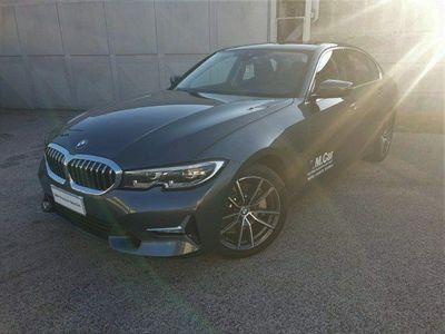 usata BMW 330e Serie 3Luxury del 2019 usata a Teverola