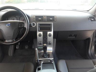usata Volvo V50 134000 km tenuta bene