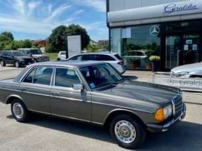 usata Mercedes 200 200Benzina