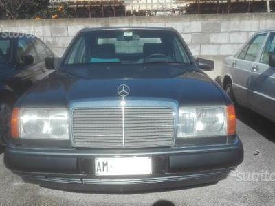 używany Mercedes 250 turbo