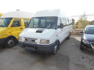 usata Iveco Daily 45-12 Minibus Con Clima E Porta Elettrica Usato