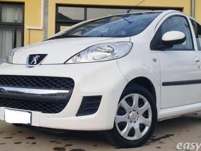 usata Peugeot 107 5p. desir benzina due volumi bianco
