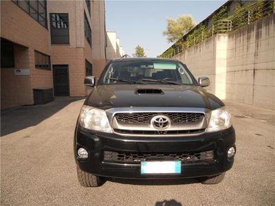 usata Toyota HiLux 3.0 D-4d 4wd Doub. Cab Sr Usato
