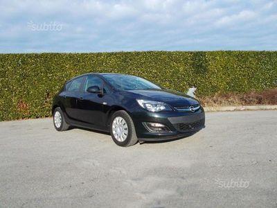 usata Opel Astra 1.4 100CV 4 porte Ecotec