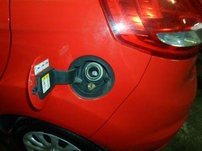 usata Ford Fiesta -- 1.4 Titanium - anno 2010