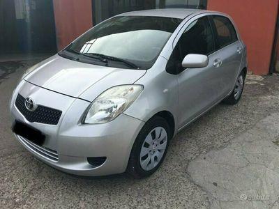 usata Toyota Yaris 1.0 Sol