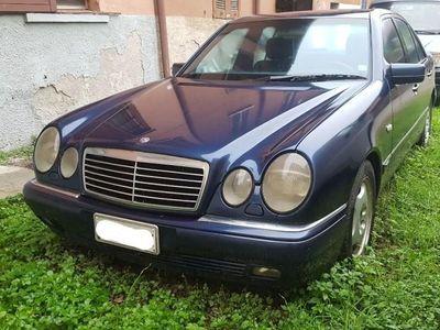 usata Mercedes E200 cat Avantgarde