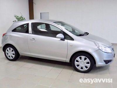 usado Opel Corsa 1.2 80 cv 3porte club ok neopatentati benzina