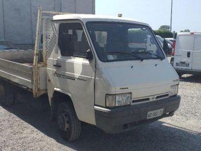 usata Nissan Trade 3.0 diesel PL cassone fisso