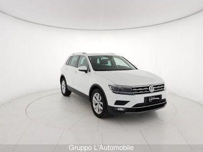 begagnad VW Tiguan II 2016 2.0 tdi Executive 150cv dsg
