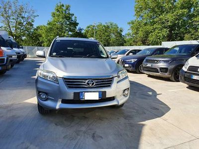 usata Toyota RAV4 2.2 D -4D 150 CV DPF LUXURY TAGLIANDATA -EURO 5