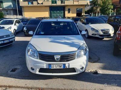 usata Dacia Sandero 1.4 gpl di serie anno 2010